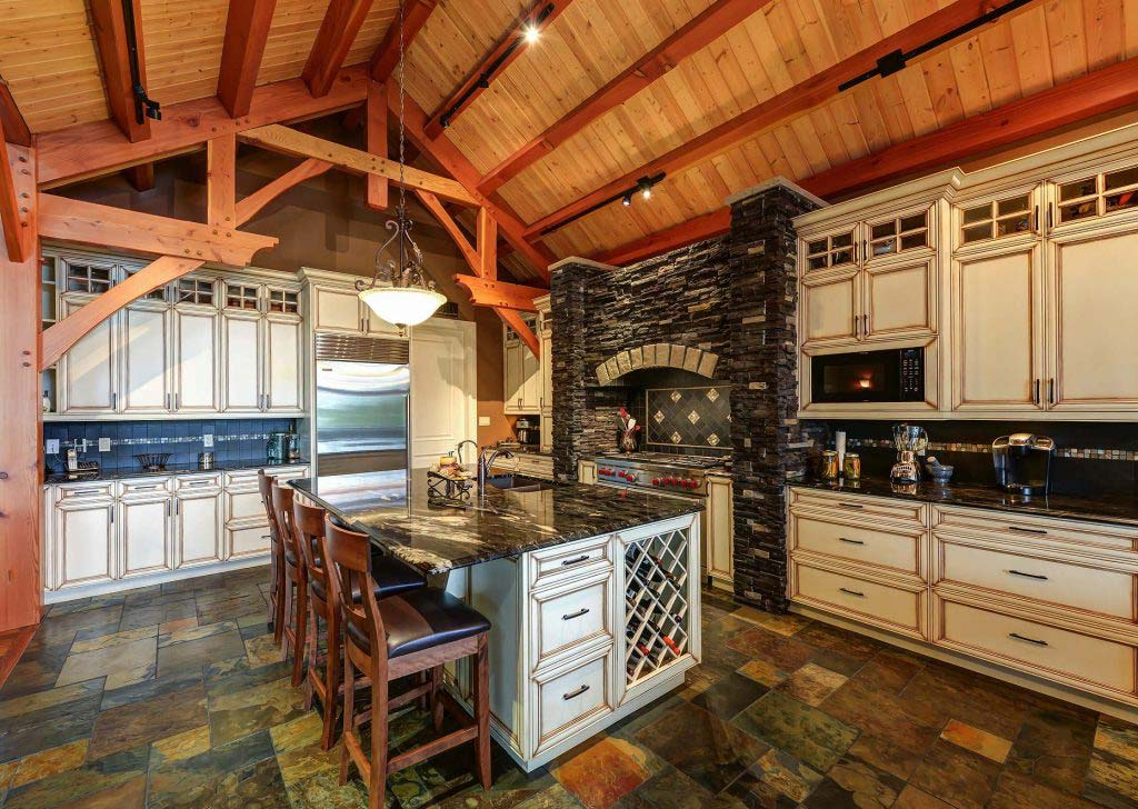 Jackfish Bungalow - Kitchen